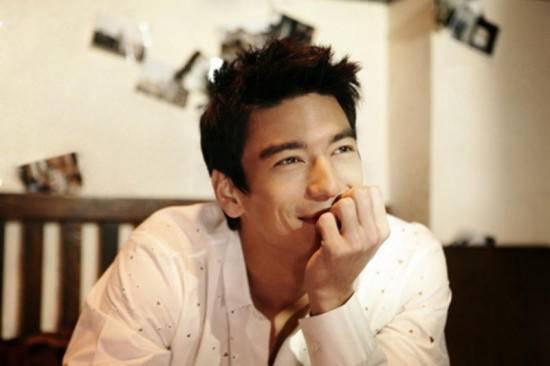 身高188韩美混血,凭《魔女幼熙》爆红,他被称为韩剧最帅男主