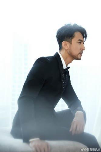 吴尊全新胡子造型亮相 硬朗成熟尽显绅士迷人气质