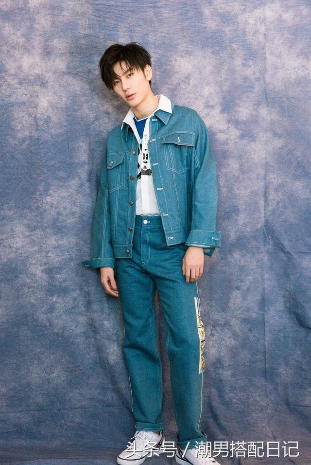 春晚常驻男孩王嘉,穿搭一流,抹不去的少年感