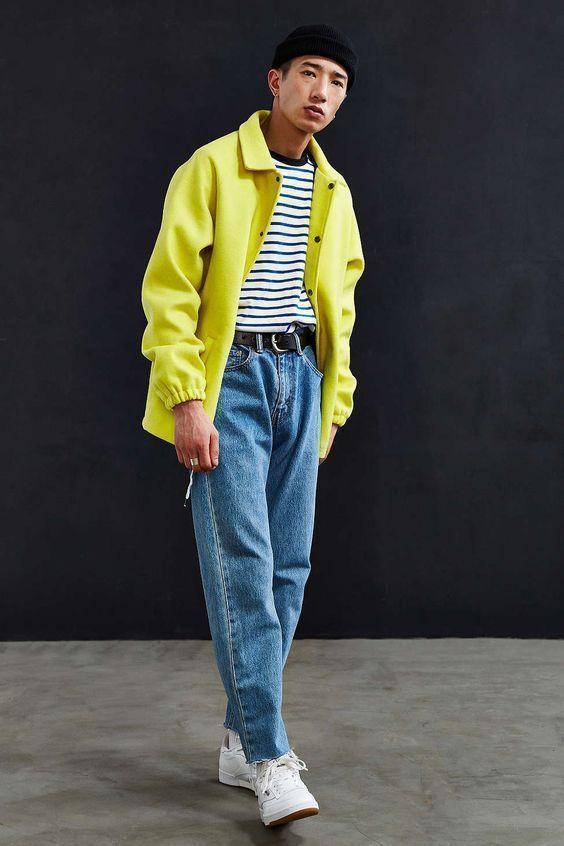穿牛仔裤懒得卷裤脚?试试时髦的毛边款式