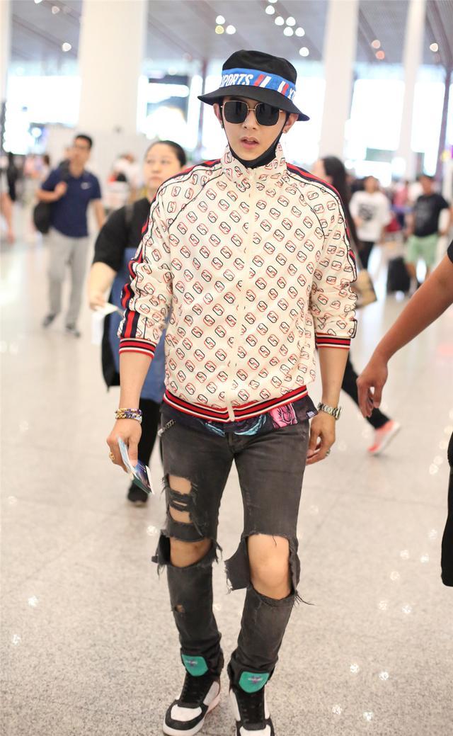 汪东城出道14年颜值不减,穿一万五外套前卫酷帅