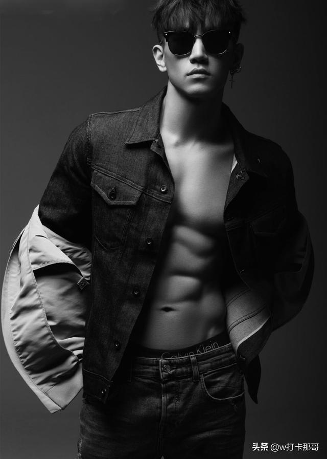 型男模特:可爱脸、6块腹肌、大长腿体育生获最上镜奖