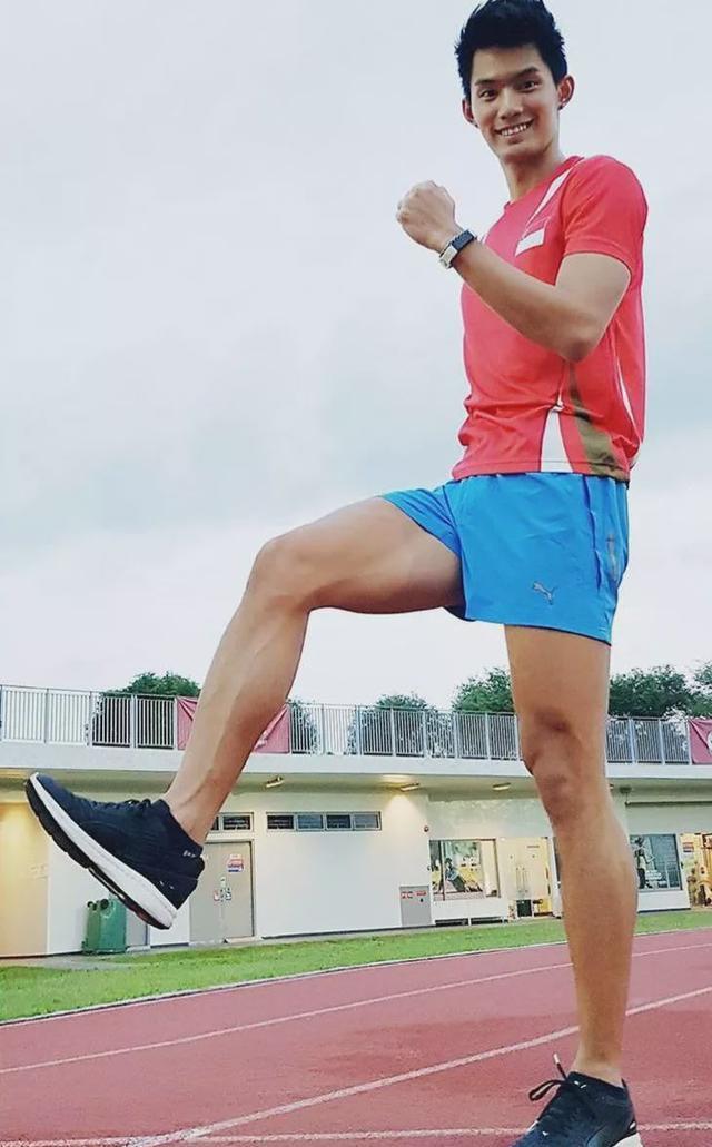 90后田径运动男生去演网剧,大长腿肌肉身材受导演青睐