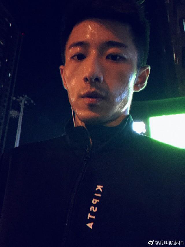 江苏卫视新闻主播,你吃他的颜吗?